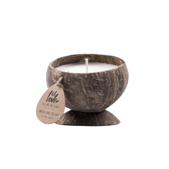 we love the planet candle darjeering delight